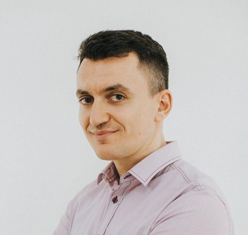 Headshot for Adrian Domocos, CEO at Hot In Social Media blog