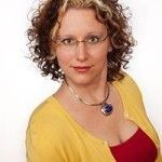Jessica Dewell offers her insight on how to be a smart and savvy digital marketer in 2014