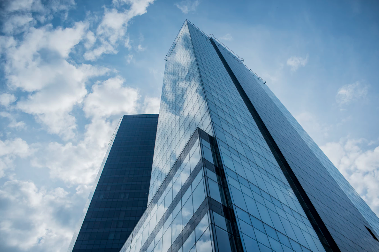 Would A Glass-walled Office With A View Be A Blessing Or A Curse For You Business Growth? Find out at Idea Girl Media